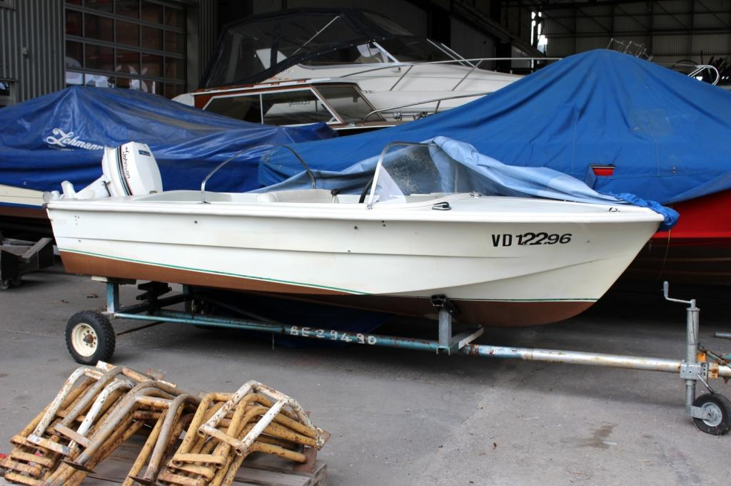 a Glisseur Dinghy